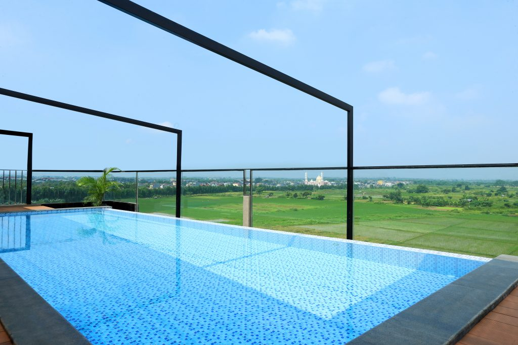 rooftop kolam renang